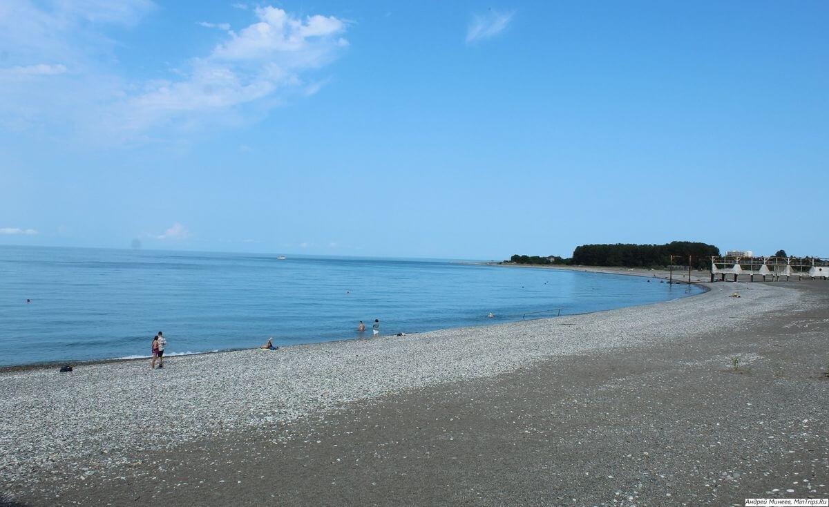 Пляжи Абхазии с песком фото mintrips.ru