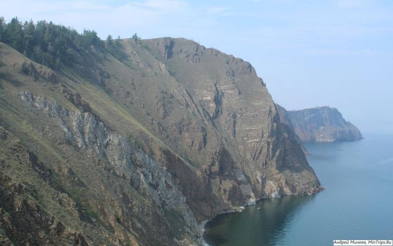 Озеро Байкал скалы